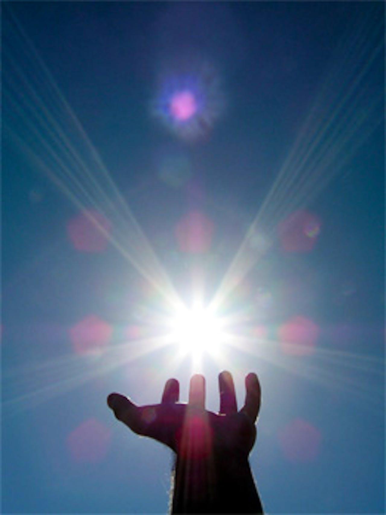 magic-hand-sun