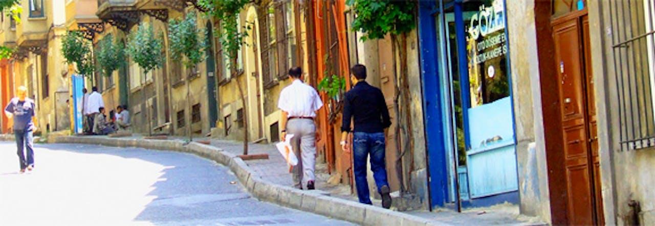 walking-in-istanbul